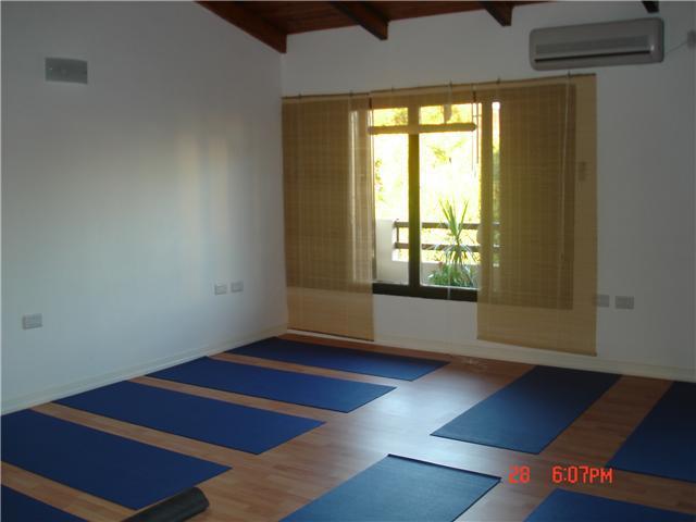 Casa yoga clases de yoga en paran tel fono y m s info - Clases de yoga en casa ...