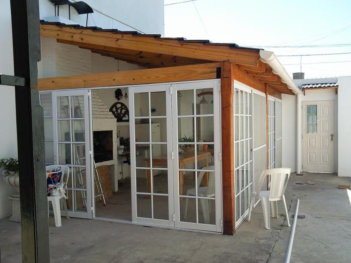 Alum art aberturas de aluminio en villa madero tel fono for Aberturas en aluminio