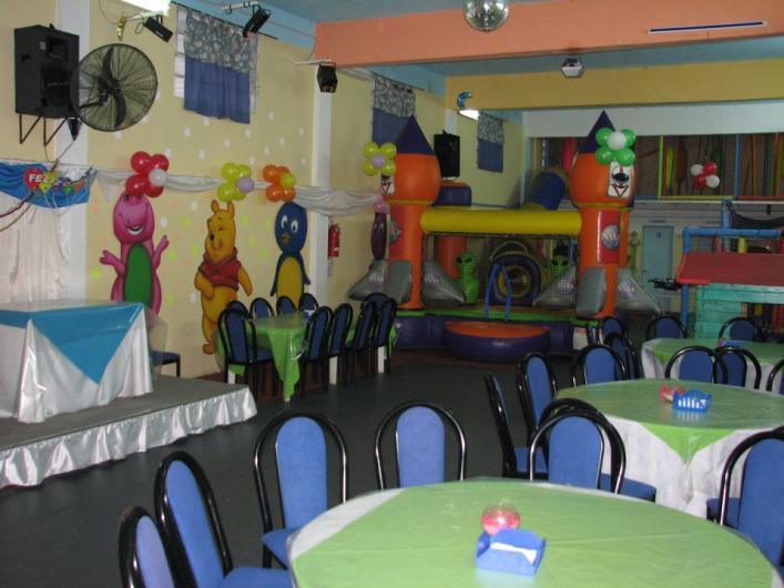 Burbujas alquiler salon de fiestas para cumplea os for Casitas infantiles carrefour