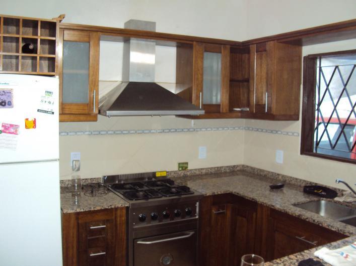 Carpinteria ituzaingo norte en ituzaing tel fono y m s info for Muebles de cocina zarate