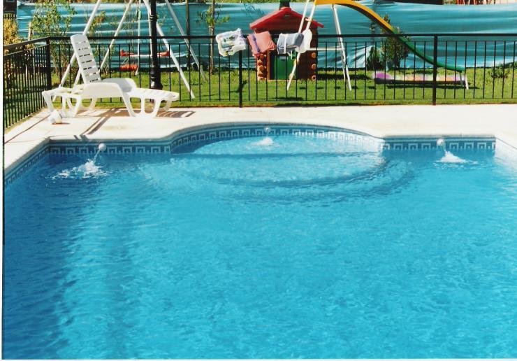 Acuatica mantenimiento de piscinas en san mart n tel fono for Empresas mantenimiento piscinas