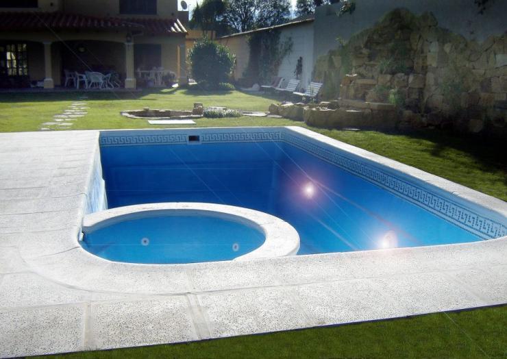 Aqua en cuyo piscinas en mendoza tel fono y m s info for Piscinas ecologicas en argentina