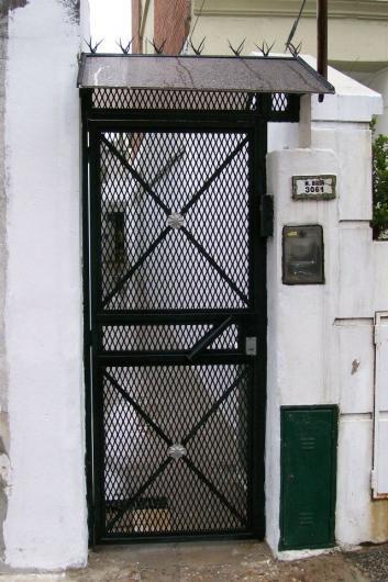 Imagenes de puertas de herreria tattoo design bild for Puerta herreria moderna