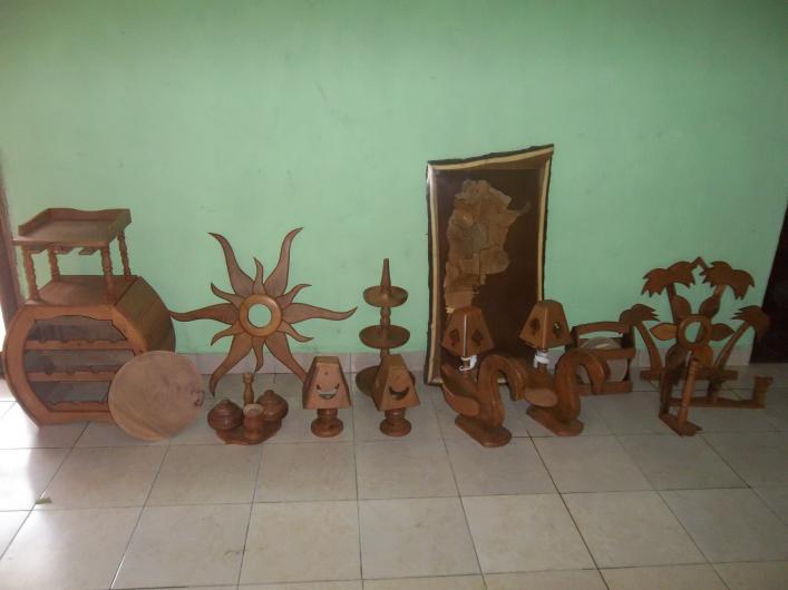 Artesanias en algarrobo en machagai tel fono y m s info for Muebles de oficina resistencia chaco