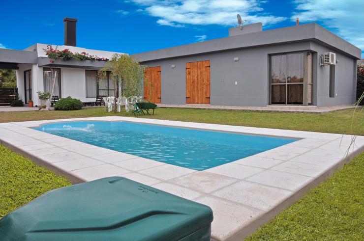 Igui jujuy piscinas en san salvador de jujuy tel fono y for Piscinas ecologicas en argentina