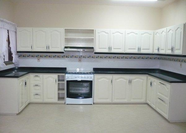 A j amoblamientos de cocina y restauracion de muebles en for Empresas de muebles de cocina