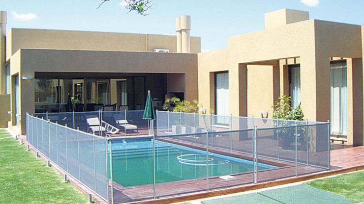 Leandro mantenimiento y reparacion de piscinas en for Empresas mantenimiento piscinas